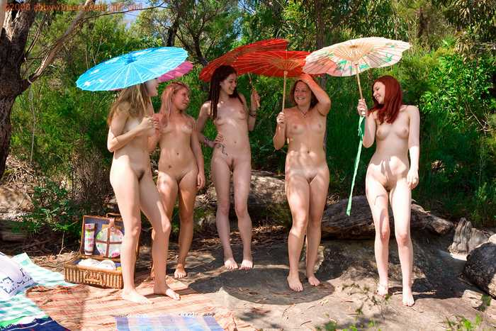 Five naked Australian girls