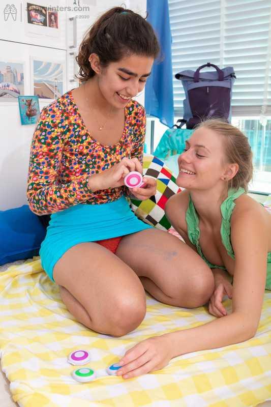 Abby Winters Ayesha Elin lesbian hardcore sex girl-girl lesbian scissoring