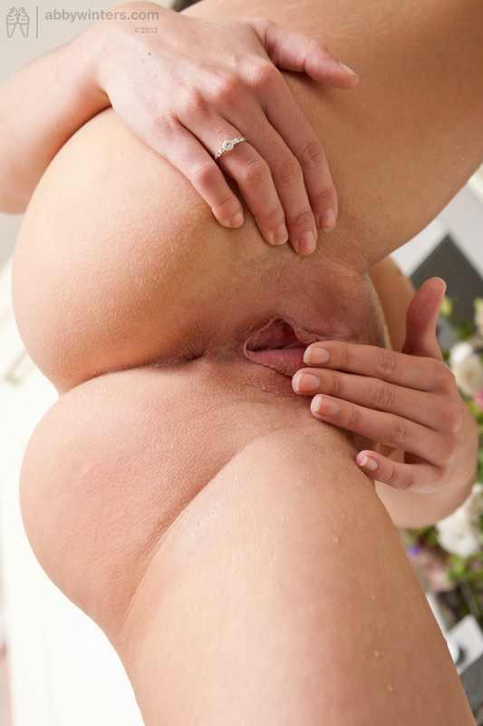 Nude Girls Urination Karlijn