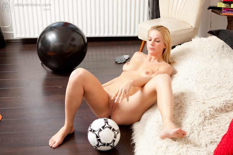 Naked soccer girl Madelief