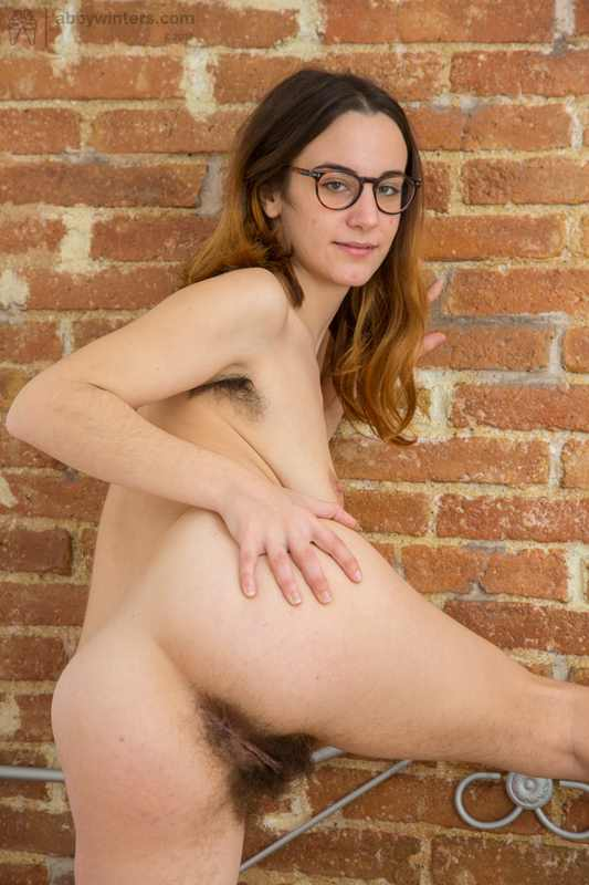 Lucia shows us her hairy pussy and hairy armpits