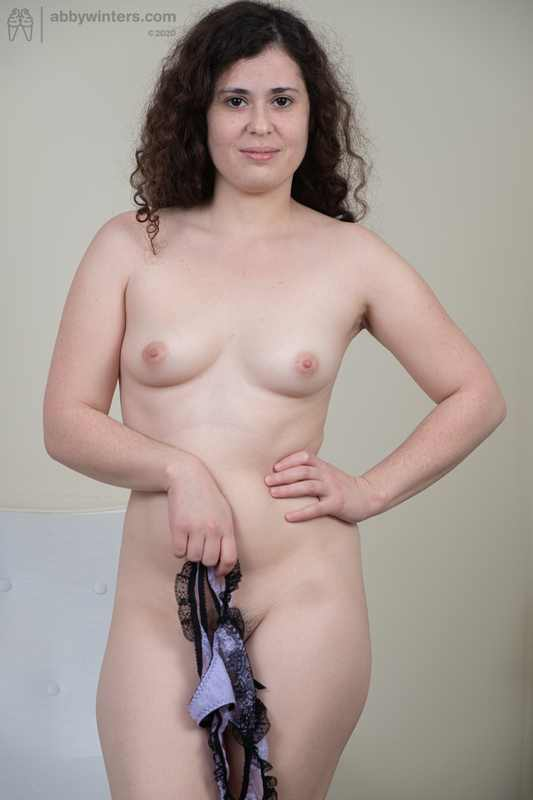 Newbie Alannah toying her hairy pussy