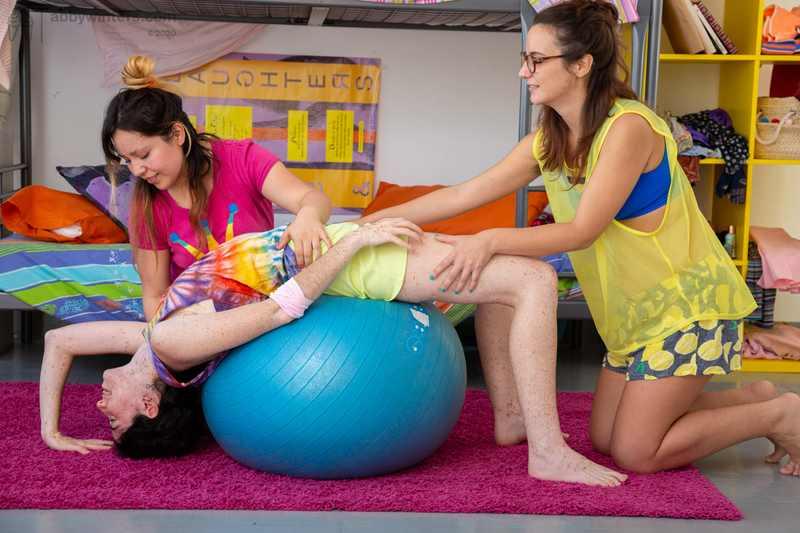 Lesbian threesome with Elysa, Lucia, and Maylin
