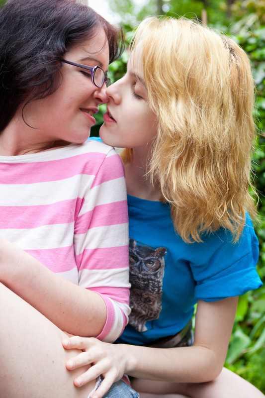 Carmina and Kaylee pussy licking 69