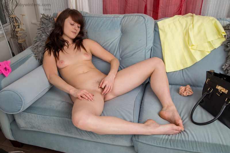 Newbie Hailey pussy close ups