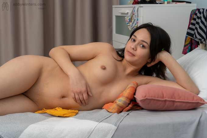 Zhenna first time posing nude